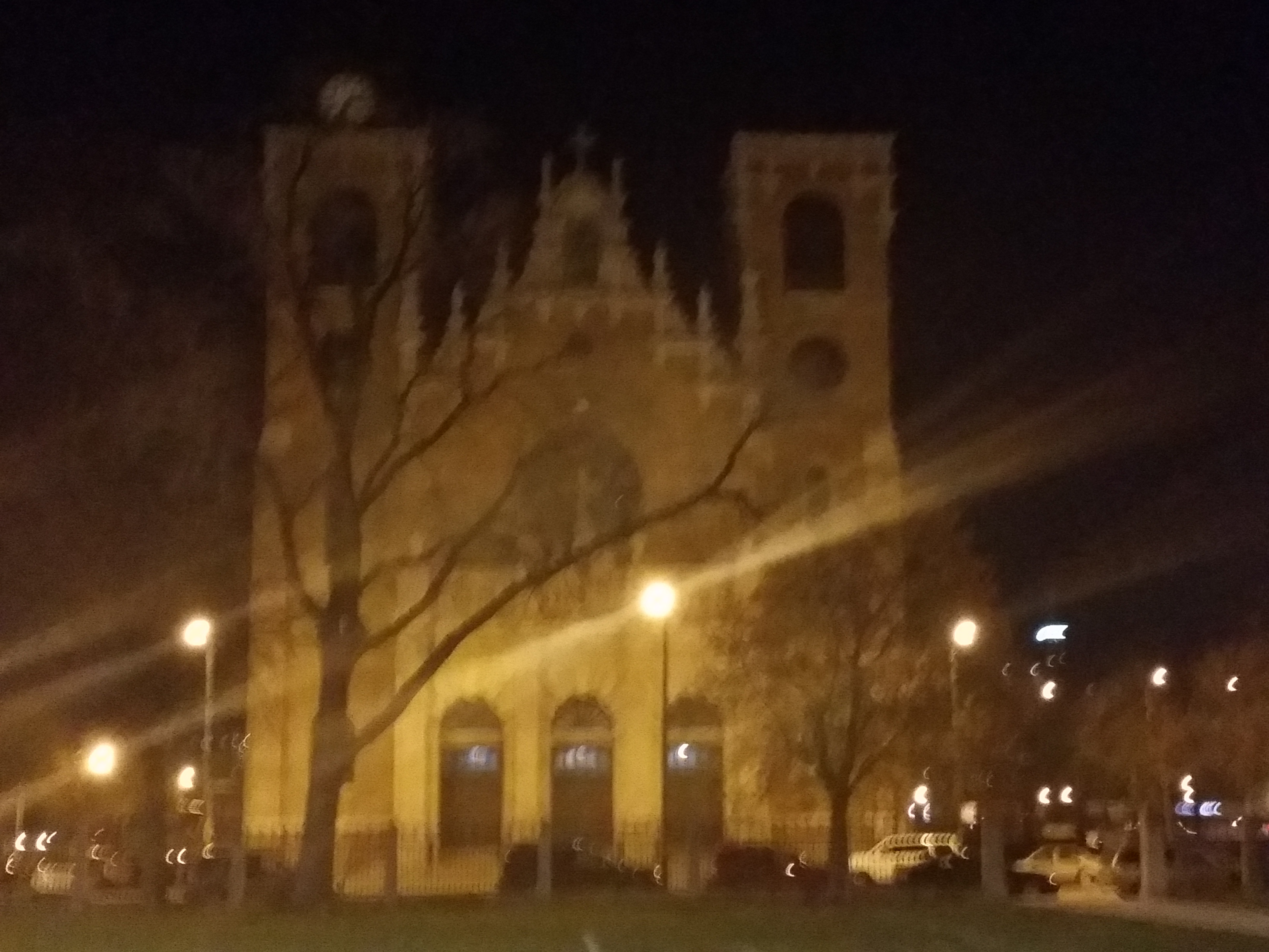 View Full Size St Stanislaus Kostka is 24/7 Adoration